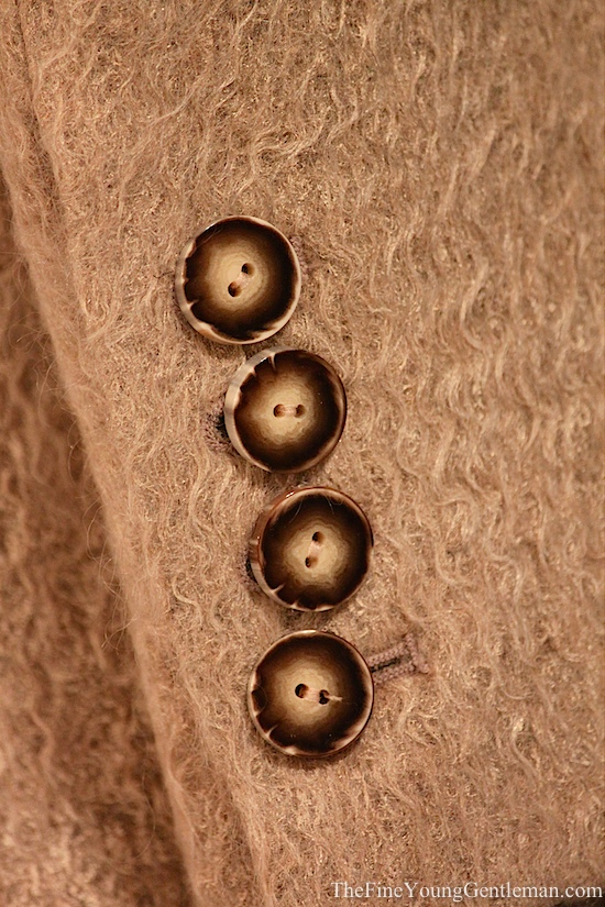 Unique sleeve buttons