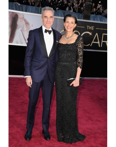 Daniel Day Lewis has another strong showing on the red carpet.