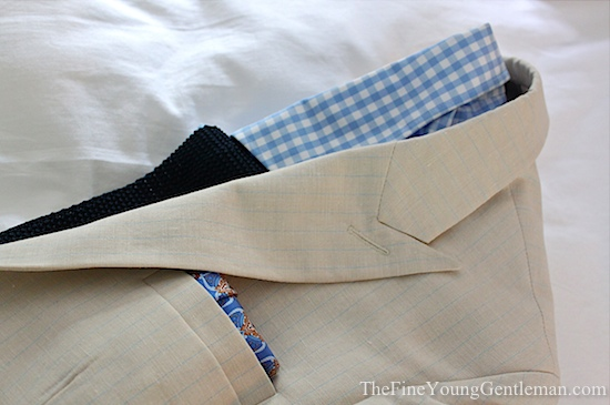choosing the right pocket square