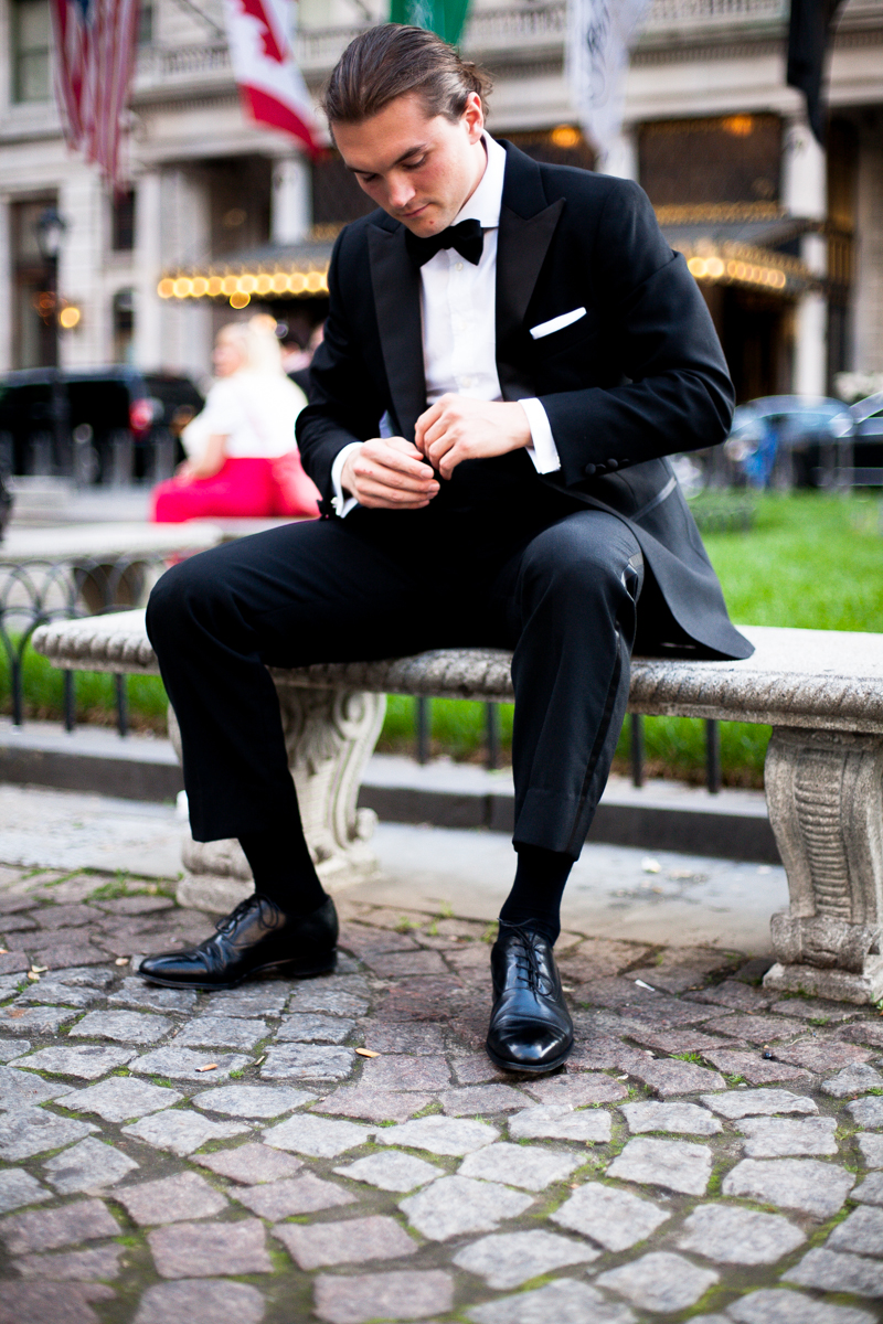 what shoes to wear with a tuxedo black oxfords
