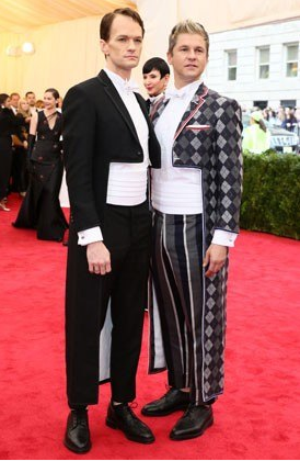 Let's start things off on the wrong foot.  I cannot tell you how happy I would be to never see anything like what Neil Patrick Harris and David Burtka are wearing ever again.