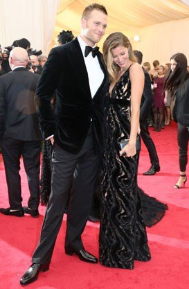 And then we have a plethora of men, like Tom Brady, who completely disregarded the dress code and wore black tie.