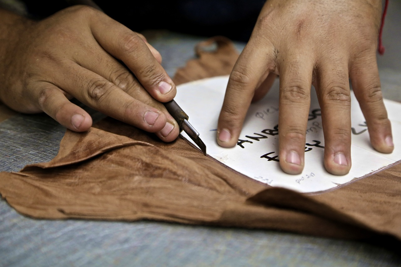 jay butler hand cutting leather