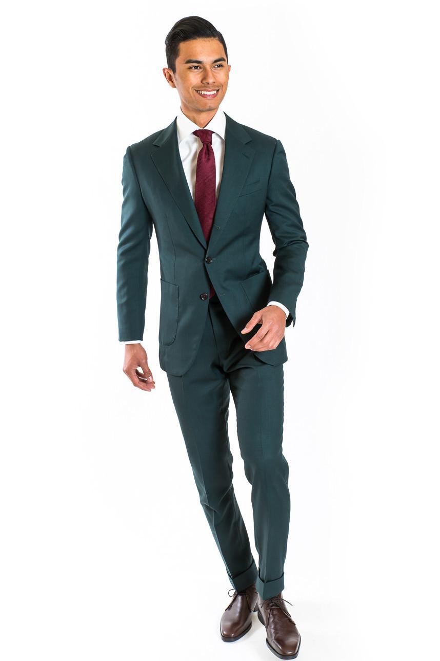 estuniga green suit