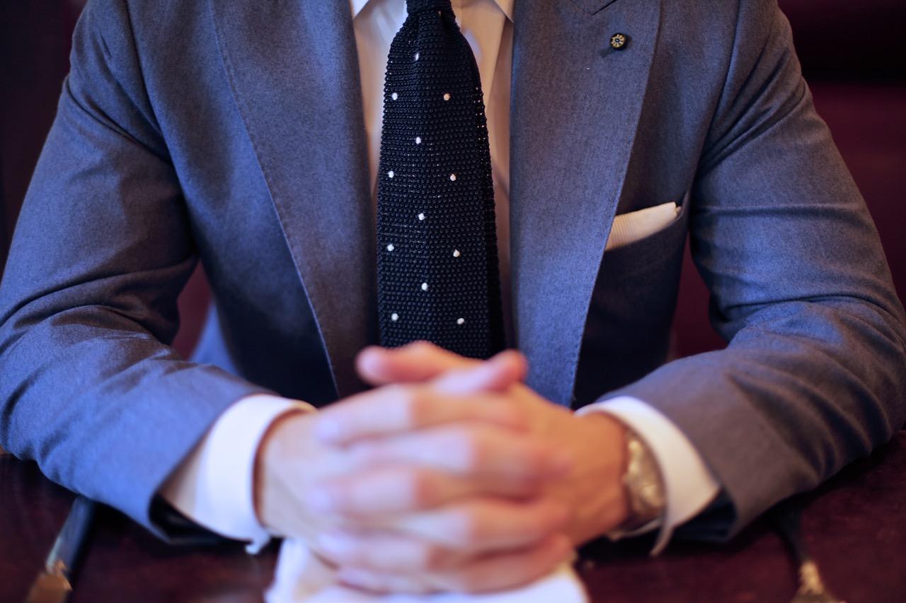 oliver wicks navy polka dot knit tie
