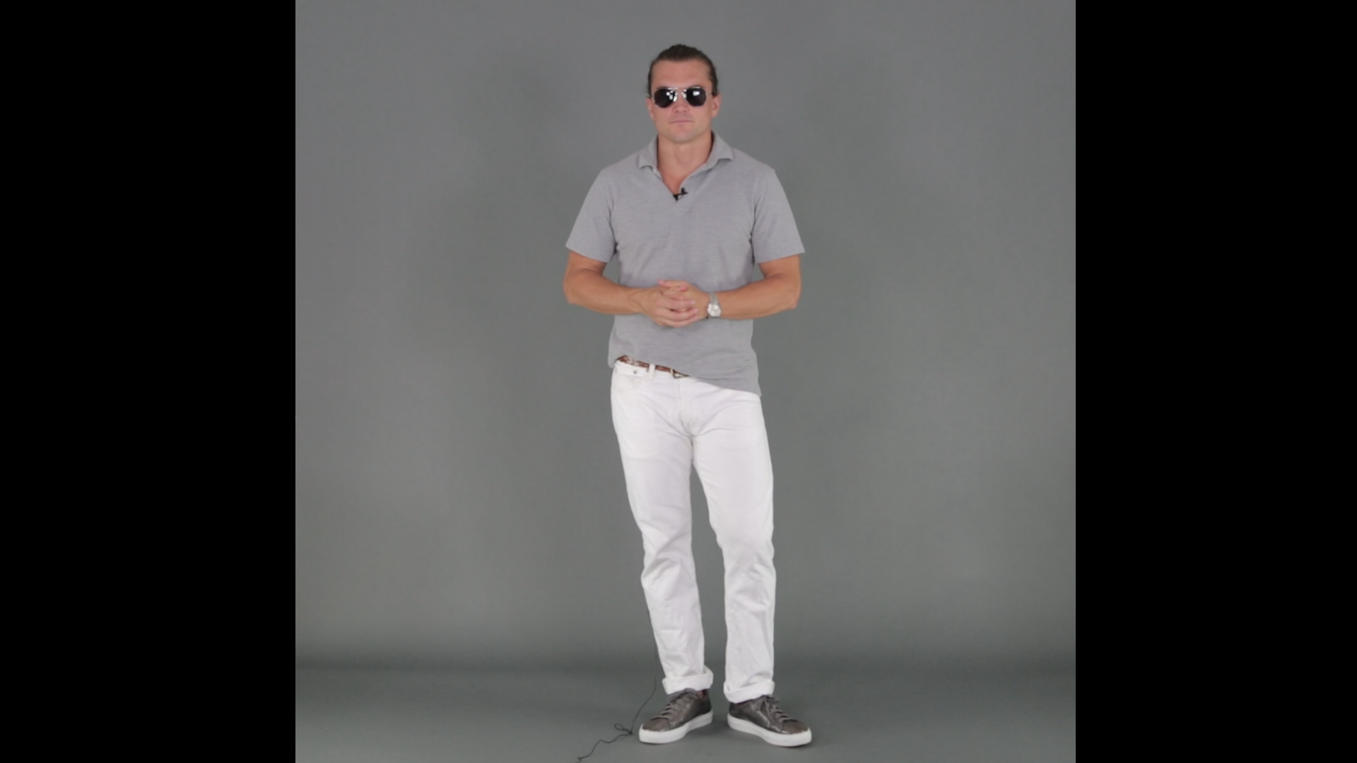 mens white jeans and polo shirt